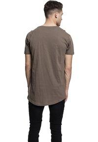 Urban Classics - SHAPED LONG TEE DO NOT USE - T-shirt - bas - army green - 2