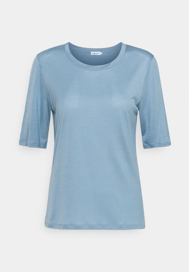 ELENA TEE - T-shirt basique - faded blue