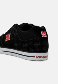 DC Shoes - BOBS PURE UNISEX - Tenisky - black/white/red - 4