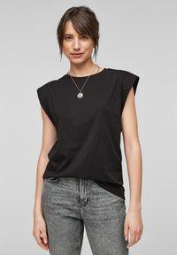 QS by s.Oliver - Basic T-shirt - black - 5