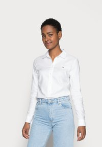 Tommy Hilfiger - HERITAGE REGULAR FIT - Button-down blouse - classic white - 0
