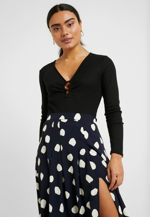 DEEP V - Topper langermet - black