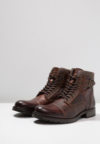 Jack & Jones - JFWALBANY - Lace-up ankle boots - brown stone - 2