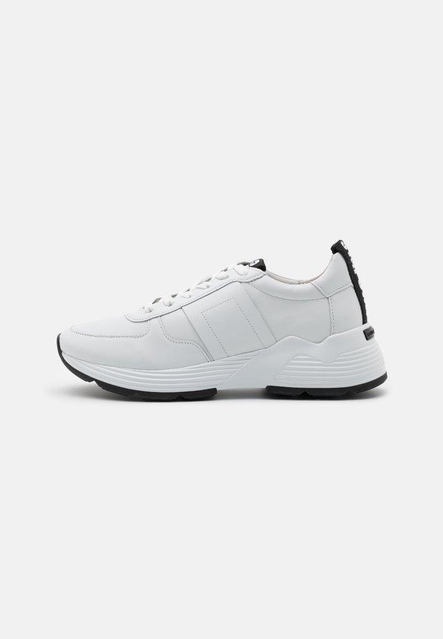HIT - Sneakers laag - bianco/schwarz