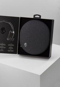 Skullcandy - VENUE ANC WIRELESS - Headphones - black - 3