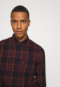 Levi's® - SUNSET POCKET STANDARD - Overhemd - bordeaux - 3