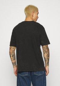 Topman - MALMO PRINT TEE - T-shirt med print - grey - 2