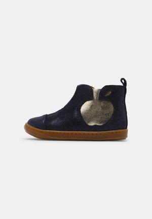 BOUBA APPLE - Classic ankle boots - navy/platine