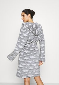 Loungeable - CLOUD SHERPA HOODED ROBE - Dressing gown - grey - 2