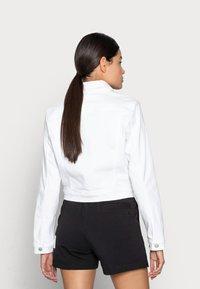 Calvin Klein Jeans - CROPPED  DENIM JACKET - Denim jacket - white - 2