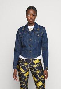 Versace Jeans Couture - LADY JACKET - Kurtka jeansowa - indigo - 0