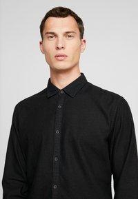 edc by Esprit - Shirt - black dark wash - 5