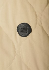 Scotch & Soda - CLASSIC QUILTED JACKET - Light jacket - sand - 3