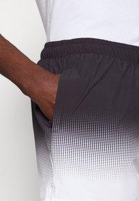 11 DEGREES - DOT FADE SWIM SHORTS - Shorts - black/white - 4