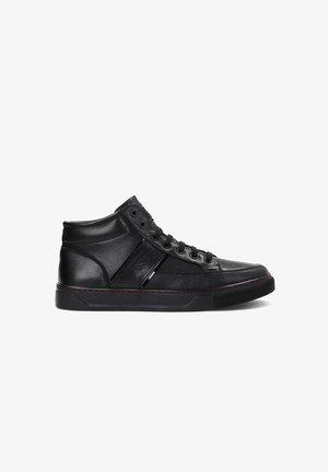 AJAKS - Zapatillas altas - black