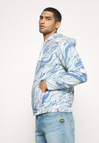 Levi's® - RELAXED FIT LOGO - Sweat à capuche - marble box tab white - 4