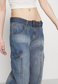 Jaded London - SKATER CARGO WITH BELT - Jeans relaxed fit - blue - 5