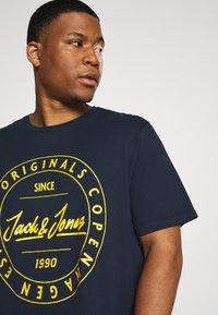 Jack & Jones - T-shirts print - navy blazer - 4