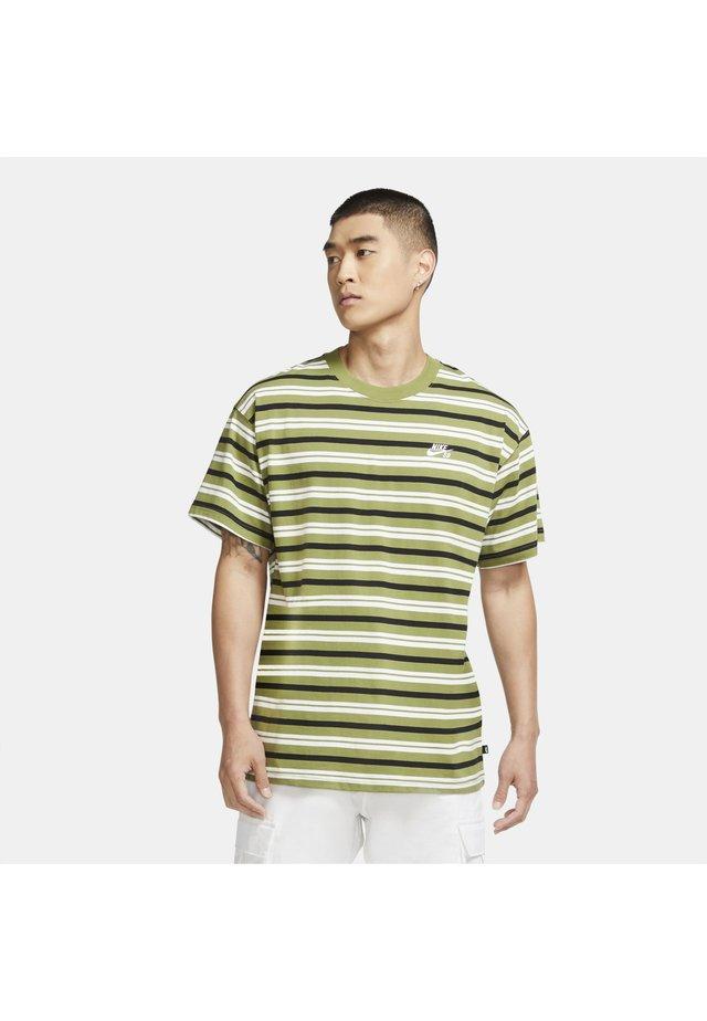 T-shirt med print - asparagus