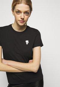 KARL LAGERFELD - MINI IKONIK KARL PATCH - T-Shirt print - black - 3