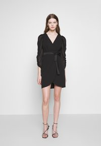 WAL G. - GATHERED SLEEVE MINI DRESS - Sukienka koktajlowa - black - 1