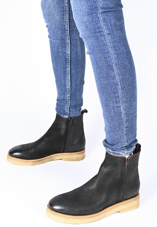 SVENJA SNAKE - Ankle boots - schwarz