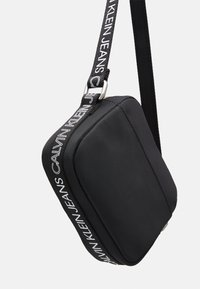 Calvin Klein Jeans - LOGO CROSS BODY BAG - Across body bag - black - 3