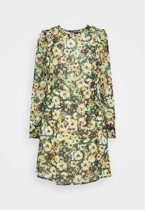 VMNILLA LS SHORT DRESS - Kjole - parasailing/nilla