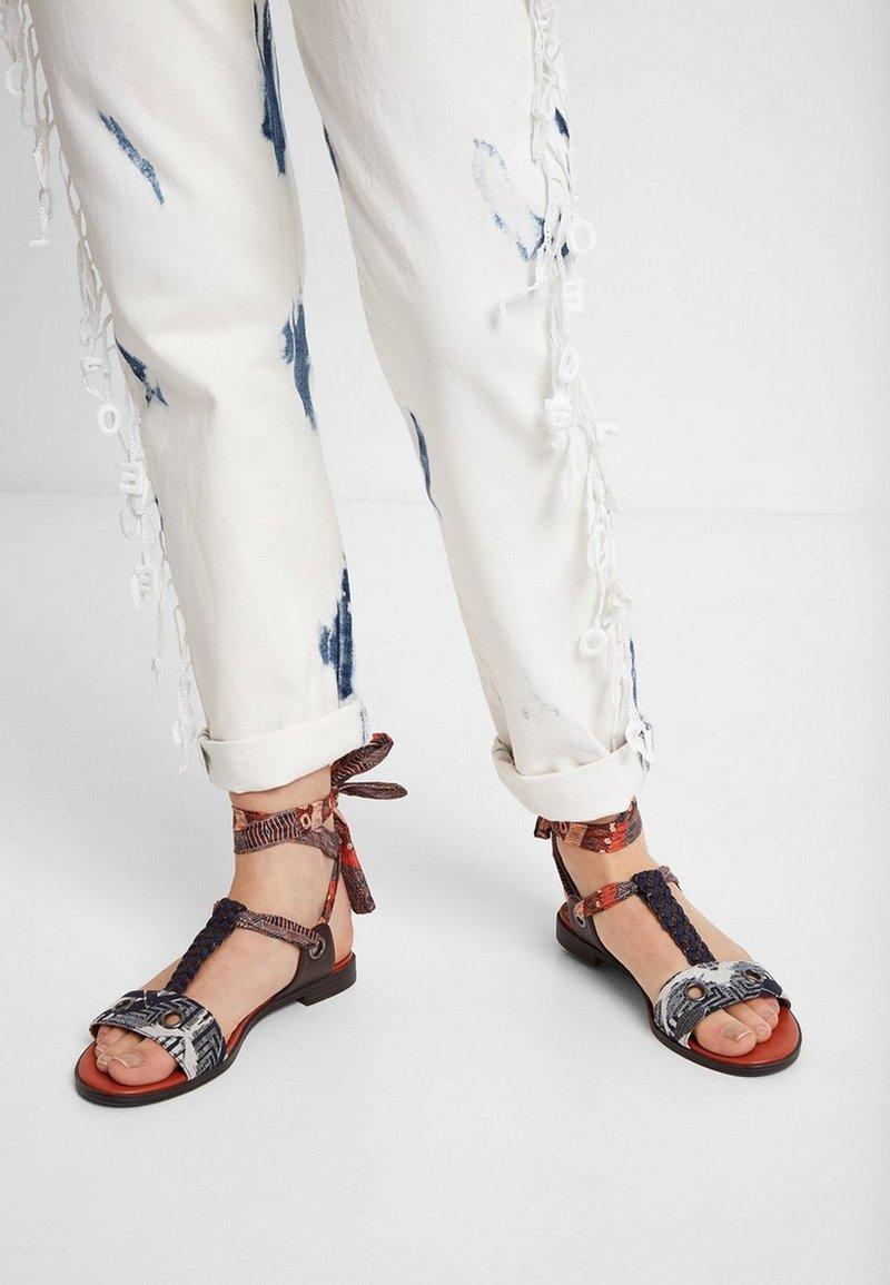 Desigual - Sandalen met enkelbandjes - blue