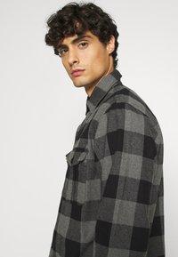 Selected Homme - SLHLOOSETHOMAS - Shirt - grey - 4