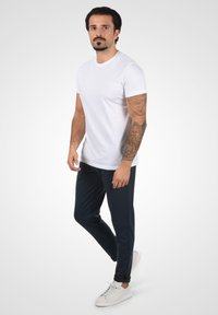 Solid - OLIVERO - Trousers - insignia blue - 1