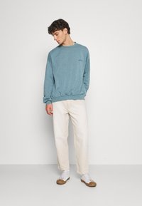 BDG Urban Outfitters - BOW  - Tapered-Farkut - ecru - 1