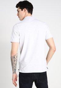 Selected Homme - SLHARO EMBROIDERY - Polo shirt - white melange - 2