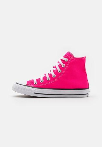 CHUCK TAYLOR ALL STAR SEASONAL COLOR UNISEX - Vysoké tenisky - hyper pink