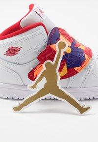 Jordan - SKY 1 UNISEX - Basketball shoes - white/court purple/total orange - 7