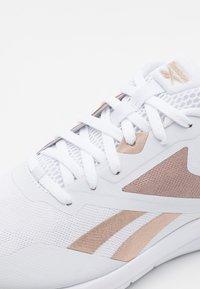 Reebok - RUNNER 4.0 - Neutral running shoes - white/rose gold - 5