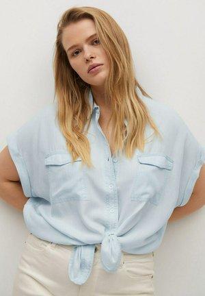 LYNN - Button-down blouse - hellblau
