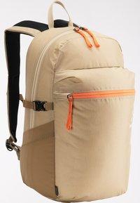 Haglöfs - Hiking rucksack - sand/flame orange - 4