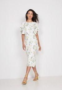 True Violet - Shift dress - white - 1