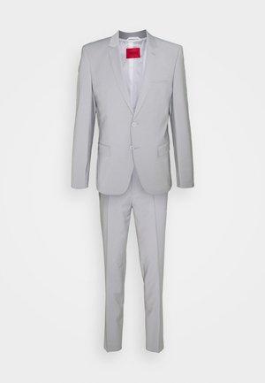ARTI HESTEN - Suit - silver