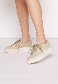 Tamaris - Sneakers - antelope - 0