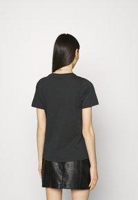 Gina Tricot - IDA TEE - Camiseta estampada - offblack - 2