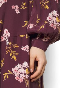 Vero Moda Petite - VMRIBINA DRESS - Shirt dress - fig - 5