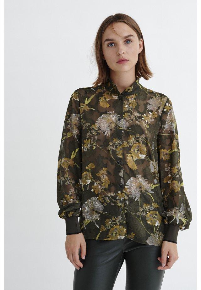 VILLA - Button-down blouse - big rust elderflower