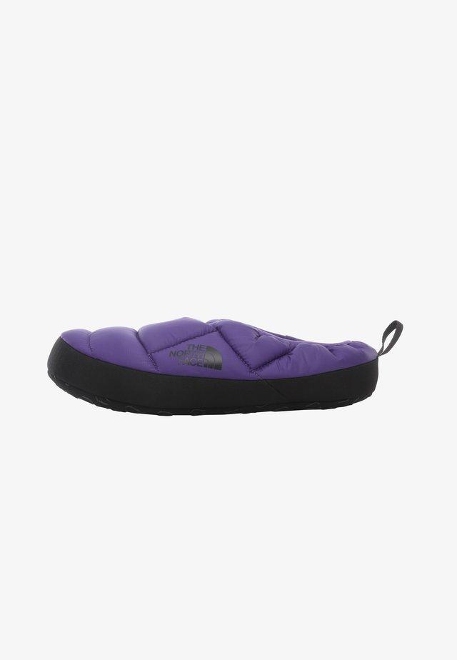 M NSE TENT MULE III - Zapatillas de entrenamiento - mottled dark purple