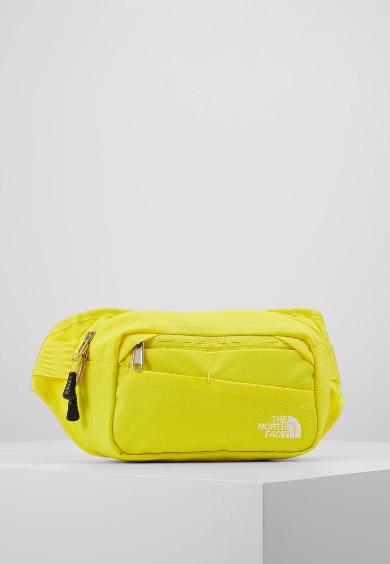 The North Face - BOZER HIP PACK UNISEX - Sac banane - lemon/black