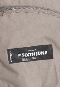 Sixth June - FRONT ZIP POCKET PANT - Bojówki - brow - 2