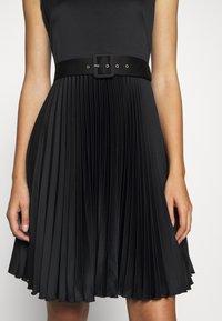 Closet - V-NECK PLEATED DRESS - Cocktail dress / Party dress - black - 5
