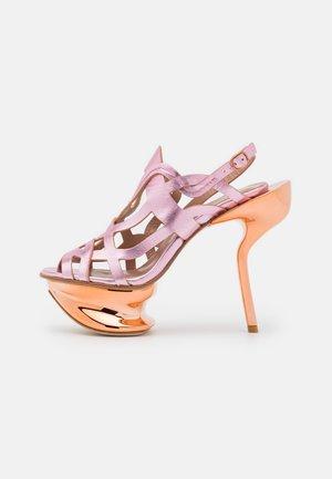 ANDREJA - Korolliset sandaalit - pink/metallic/bronze