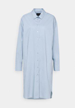 NILLY DRESS - Košilové šaty - light blue